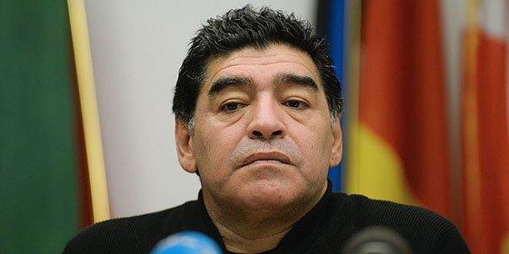 """Maradona: """"Quieren hacer ganar a Messi algo que no ganó, es injusto"""""""