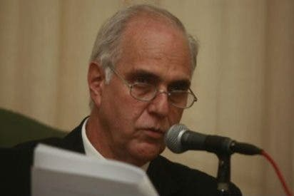 Marcial Rubio, reelegido rector de la Pontificia de Perú