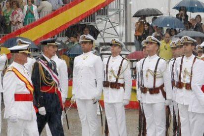 Rajoy preside la entrega de despachos de la Escuela Naval de Marín