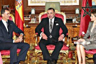 El Rey Felipe VI y la reina Letizia recibidos con todos los honores en Marruecos