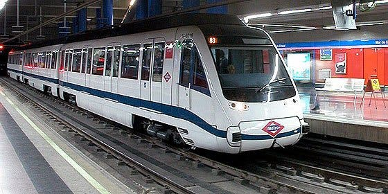 Metro rinde homenaje al billete magnético sencillo y de 10 viajes con una edición especial de billetes de colores