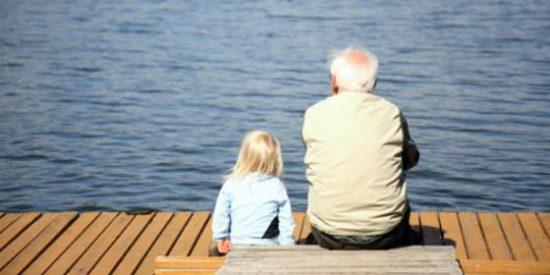 Si a lo abuelos les diera por hacer huelga a España no la pondrían en marcha ni con bastón