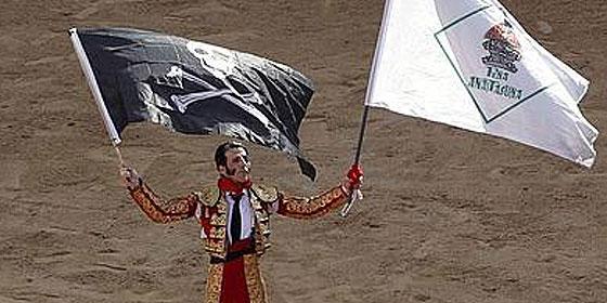 El gran Juan José Padilla a hombros en San Fermín como quien sale por la puerta de su casa