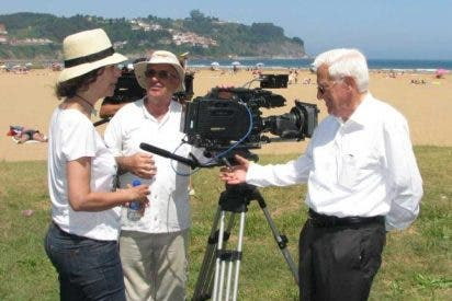 El Padre Ángel, protagonista de un documental en Colunga