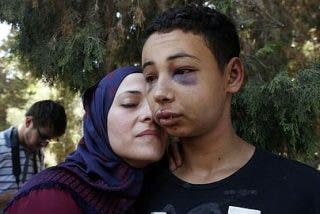 La grabación furtiva de la paliza al primo del joven que fue quemado vivo en Jerusalén
