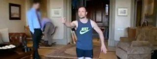 El vídeo en el que Pistorius simula disparar a su novia caminando sobre los muñones