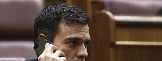 El País y La Razón ponen bonito al 'guapo' Sánchez tras su europatinazo