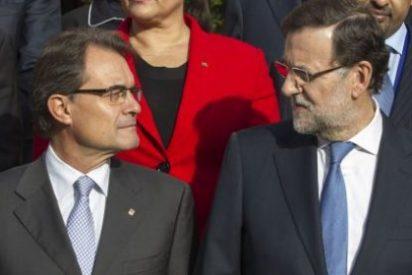Lo de entenderse, entre Mariano Rajoy y Artur Mas, les entra en el sueldo