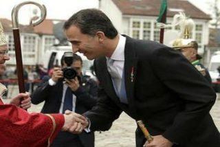 """Felipe VI recuerda a las víctimas de Angrois ante el Apóstol: """"Galicia, gracias de corazón"""""""