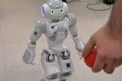 Investigadores valencianos desarrollan robots para la comunicación social en niños autistas