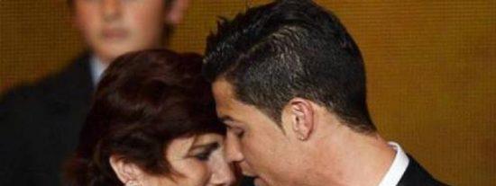 La madre de Cristiano Ronaldo quiso abortar de él bebiendo cerveza negra