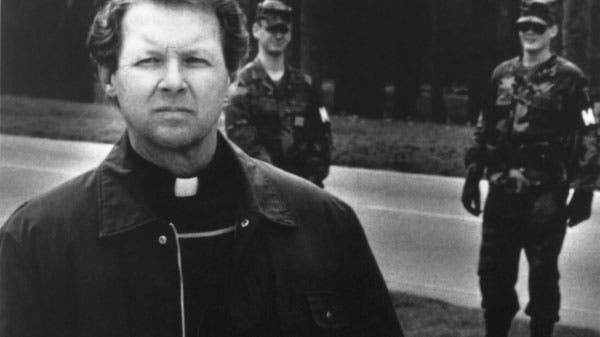 Piden justicia al Papa para un sacerdote excomulgado