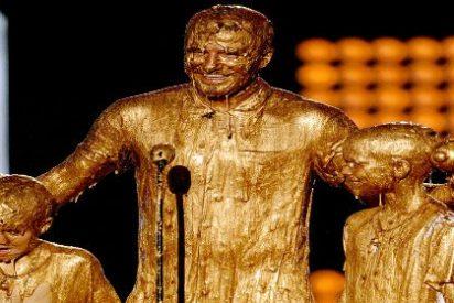 David Beckham bañado en oro junto a sus hijos
