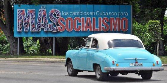 Rusia se las da de generosa y perdona de repente a Cuba su vieja deuda con la Unión Soviética