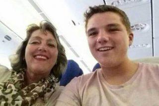 El 'selfie' que se tomó una madre y su hijo en el vuelo MH17 que les llevaría a la muerte