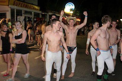 Los catalanes se apuntan al 'mamading' con regalo 'eXtra' tras el trago: un flamante consolador y viaje a Ibiza