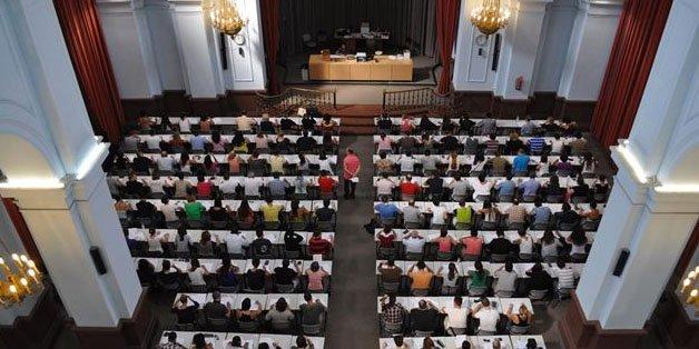 Estudiantes de la UNED denuncian que este centro ha perdido casi la mitad de los becados