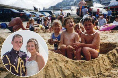 La novia que le hizo un 'photobomb' a su novio... 11 años antes de conocerse