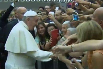 """El Papa anima a los fieles a """"reconocer a Cristo en los más pobres de nuestra sociedad"""""""