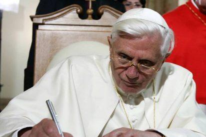 Benedicto XVI, con los niños