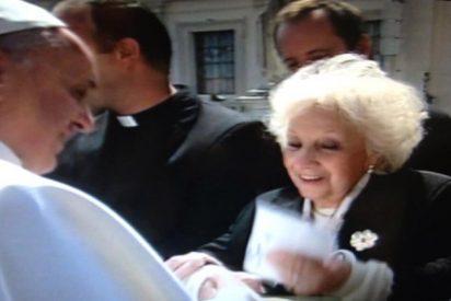 """El Papa, """"emocionado"""" ante la recuperación del nieto de De Carlotto"""