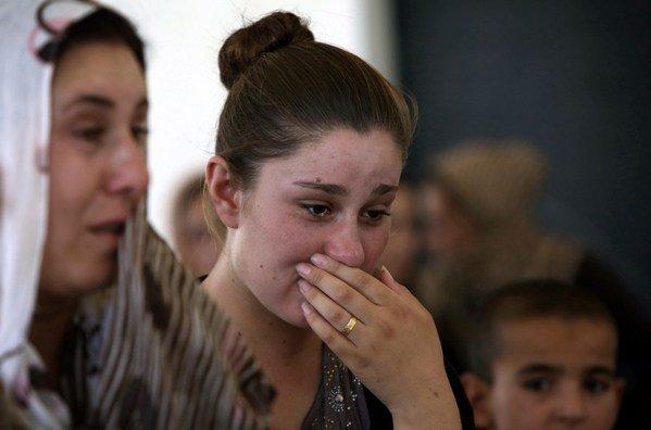 Los terroristas del Estado Islámico venden a 300 mujeres yazidíes a sus milicianos en Siria