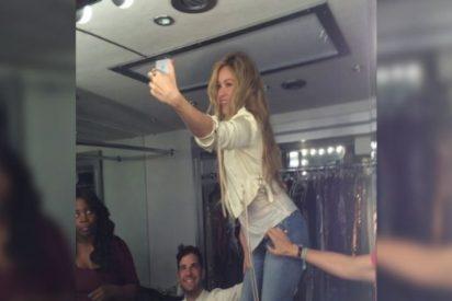 Shakira se hace un selfie