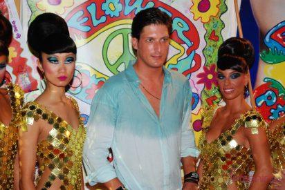 Los famosos se contagian del espiritú 'hippy' en la Fiesta Flower Power