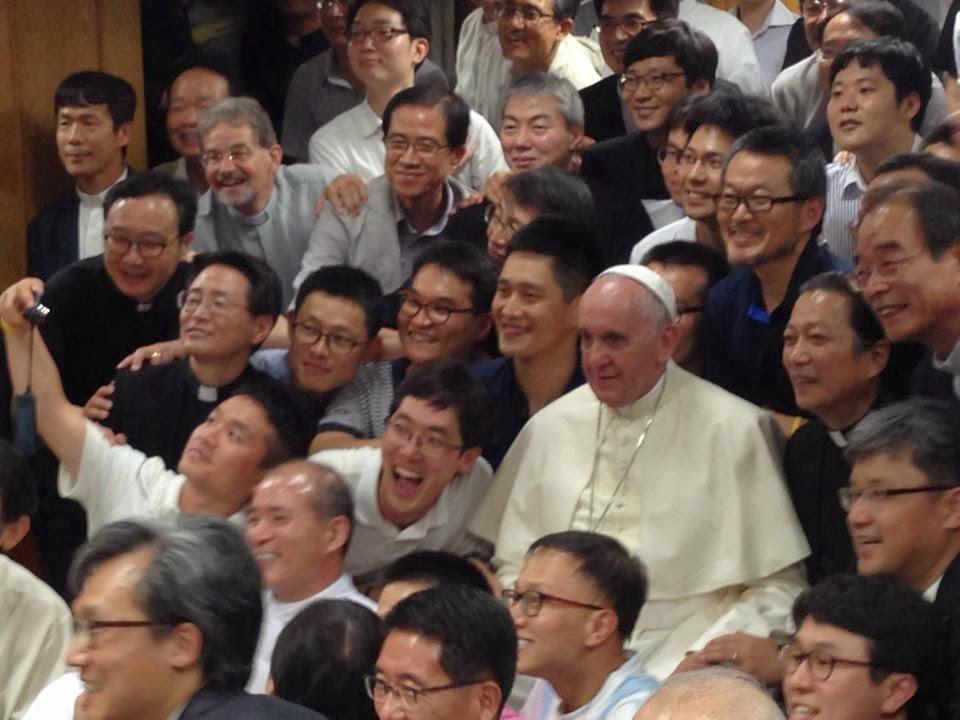 Francisco visita por sorpresa a los jesuitas en Seúl
