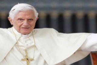 El Papa emérito Benedicto XVI celebra una misa con sus antiguos alumnos de Teología