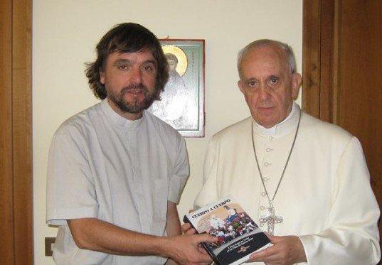 Padre Di Paola, coordinador de la Comisión Nacional de Drogadependencia