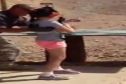 El vídeo de la niña de 9 años que mata a su instructor de tiro con un subfusil