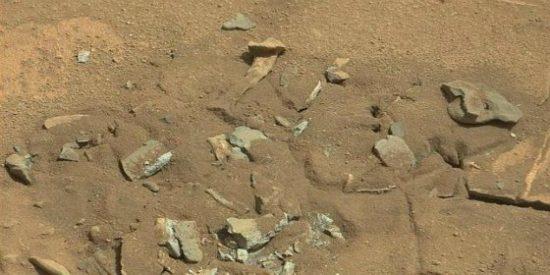 El extraño 'hueso' encontrado en Marte que le cuesta roer a la mismísima NASA