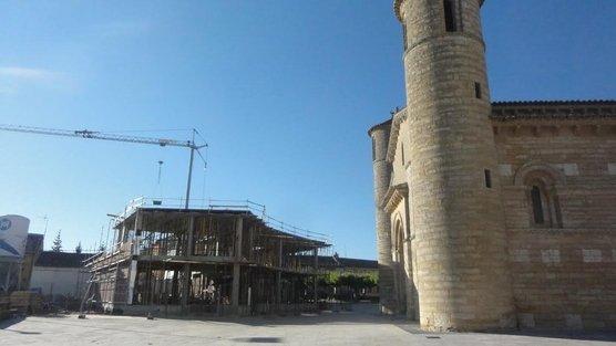 Lanzan campaña en Internet contra una construcción al lado de la iglesia de Fromista
