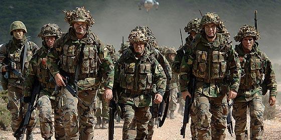 El Gobierno nos mete otro 'bombazo': 80 millones para material de combate
