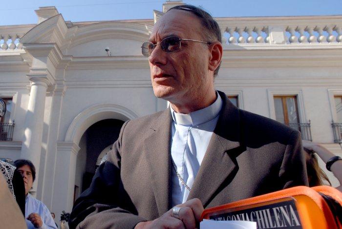 """Monseñor Infanti: """"Neoliberalismo y catolicismo no van de la mano"""""""