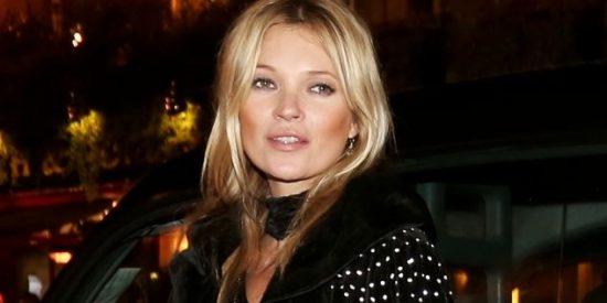 Kate Moss monta el cipote borracha en un aeropuerto de Turquía