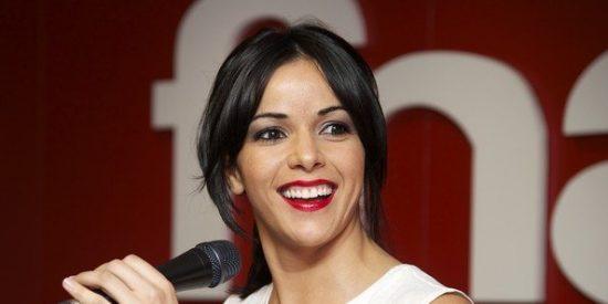 Raquel del Rosario demuestra estar más que feliz con el primer mes desu hijo Leo