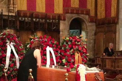 Emotivo último adiós a Peret, el padre de la rumba catalana