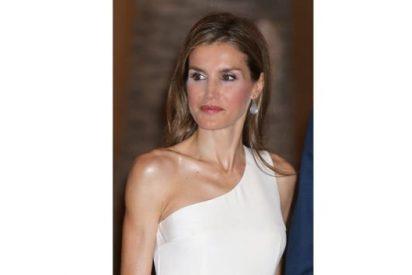 La Reina Letizia, espectacular, en la recepción de los Reyes en Mallorca