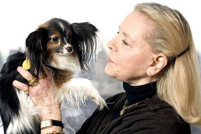 La actriz Lauren Bacall le deja en herencia 10.000 dólares a su perrita Sophie