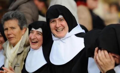 """""""Las monjas desnortadas"""" y El día de la marmota"""