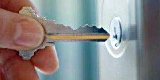 ¿Puede el inquilino cambiar por su cuenta la cerradura de su piso de alquiler?