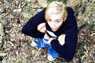 La foto de la cantante Miley Cyrus haciendo pis bate récords en las redes sociales