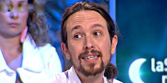 Ahora resulta que a Pablo Iglesias los 'sextuits' de sus alumnas le alborotaban la coleta