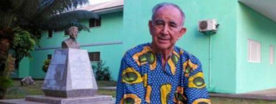 """""""Idiotas"""" y """"frivolones"""": Salvador Sostres da para el pelo a los críticos con el rescate del padre Pajares"""
