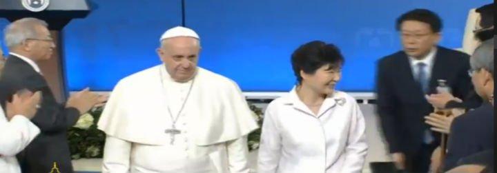 """Papa: """"La búsqueda de la paz por parte de Corea es una causa que nos preocupa especialmente"""""""
