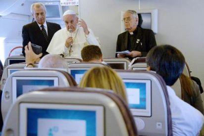 Rueda de prensa del Papa a bordo del avión