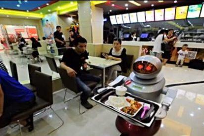 Un restaurante chino sustituye a camareros y cocineros por robots porque no van con cuentos