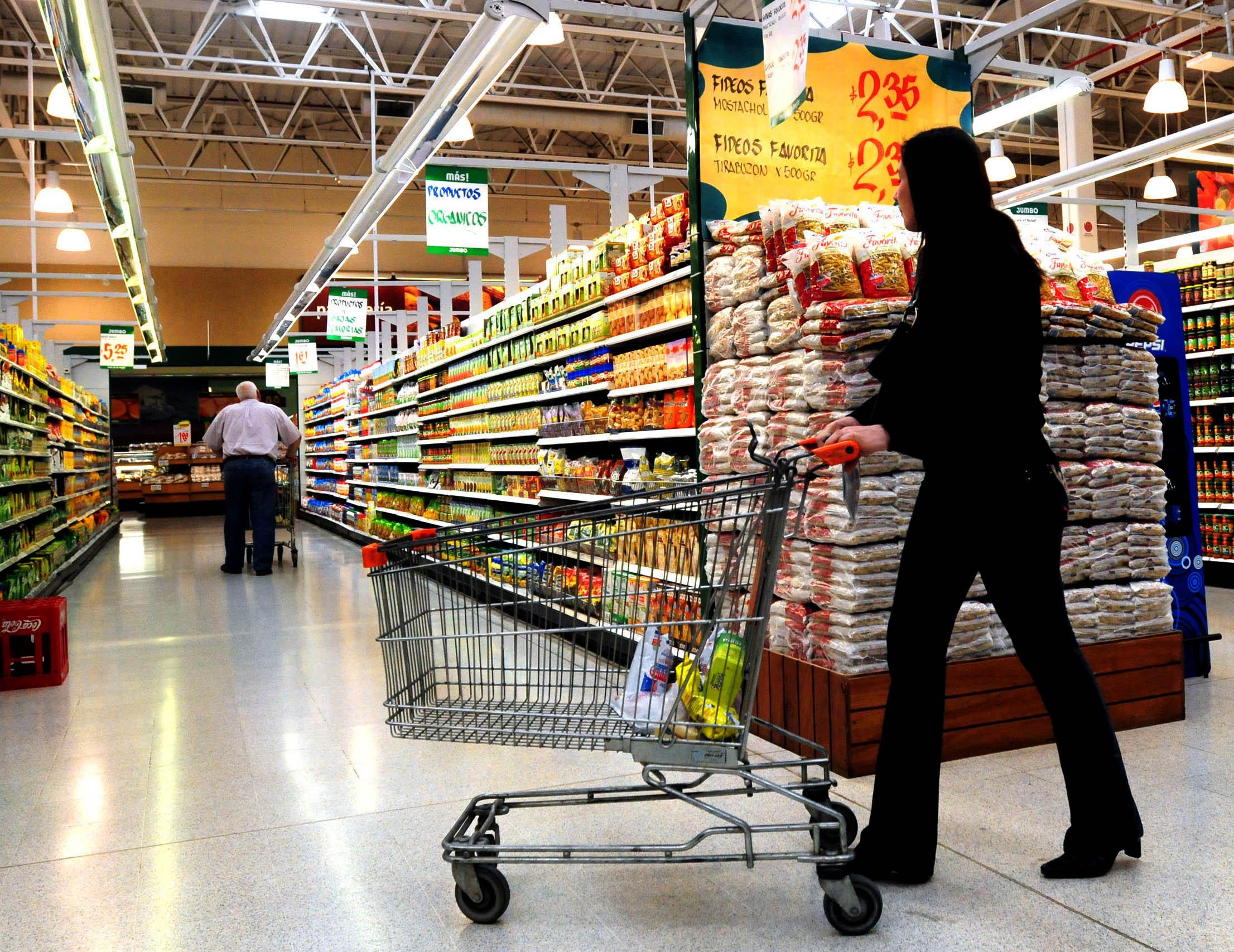 La mujer se dedicaba a quemar supermercados en Huelva para irse alegremente sin pagar